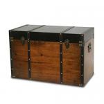 Baúl de madera estilo clásico